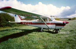 PIcture of a plane on a field